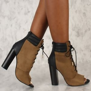 Liliana ILyse 44 Olive Stacked Heel Ankle Boots 8